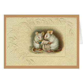 Vintage - lectura blanca de los ratones tarjeta de felicitación