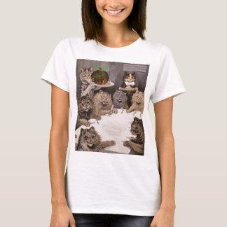 Vintage Louis Wain Cats Christmas Party T-Shirt