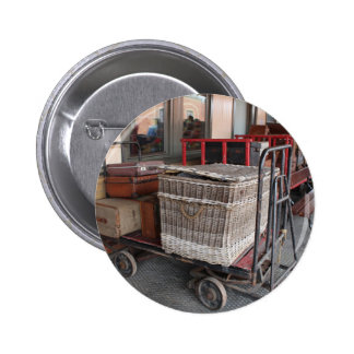Vintage luggage and wicker basket - Range Button