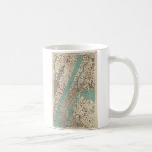 Vintage Map of New York City (1890) Mugs