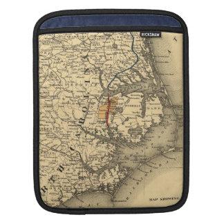 Vintage Map of The North Carolina Coast (1887) iPad Sleeve