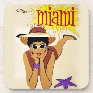 Vintage Miami Beach Posavasos De Bebida