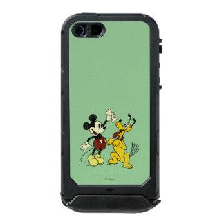 Vintage Mickey Mouse and Pluto Incipio ATLAS ID™ iPhone 5 Case