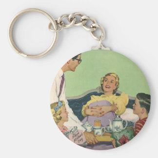 Vintage Mom Gets Breakfast in Bed From the Family Keychain