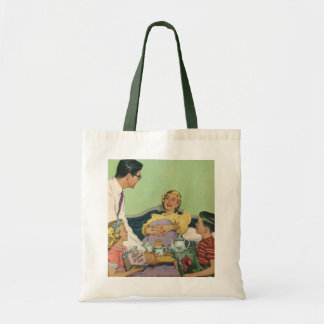 Vintage Mom Gets Breakfast in Bed From the Family Tote Bag