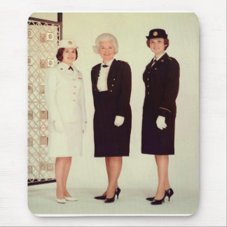Vintage mujer retra en fuerte hermoso uniforme alfombrillas de ratones