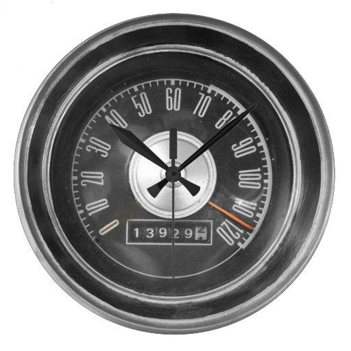 clock car