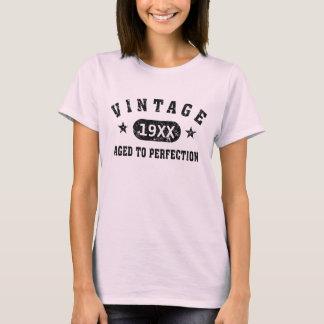 Vintage negro del texto envejecido a la camiseta