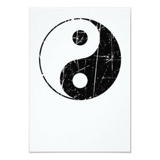 Vintage negro rasguñado Yin Yang Comunicados