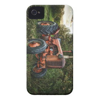 Vintage old red tractor iPhone 4 case