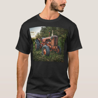 Vintage old red tractor T-Shirt