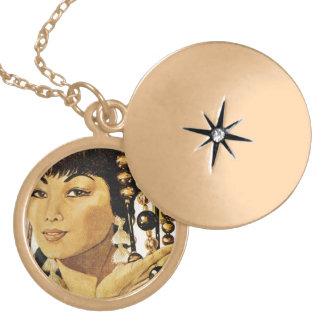 Vintage oriental lady pendant