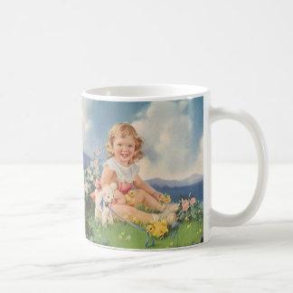 Vintage Pascua, chica con el cordero de los pollue Taza De Café