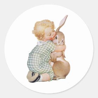 Vintage Pascua, niño lindo del muchacho con el Pegatina Redonda
