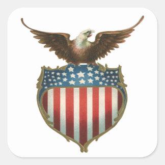 Vintage patriótico, Eagle calvo con la bandera Pegatina Cuadrada