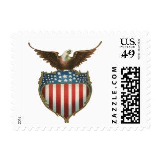 Vintage patriótico, Eagle calvo con la bandera Sello Postal
