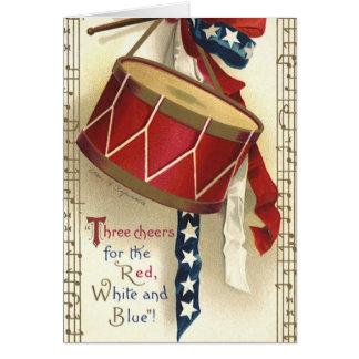 Vintage patriótico, tambores con las notas tarjeta de felicitación