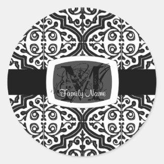 Vintage Patterned Quatrefoil Round Sticker