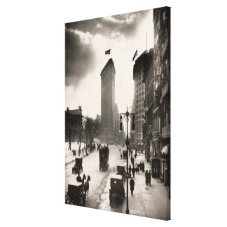 Vintage Photograph of The NYC Flat Iron Building 2 Canvas Print
