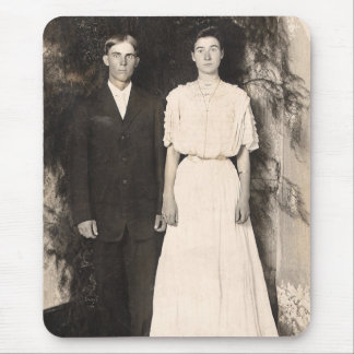 Vintage Picture of a Wedding Couple Mouse Pad