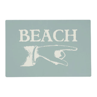 Vintage Pointing Beach Sign Placemat