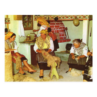 Vintage Portugal,  Ladies spinning Postcard