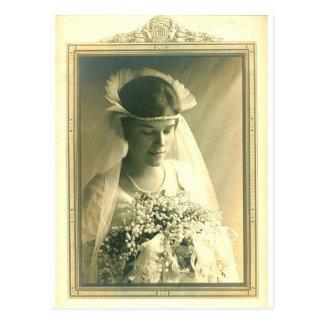 Vintage que casa a una novia postal
