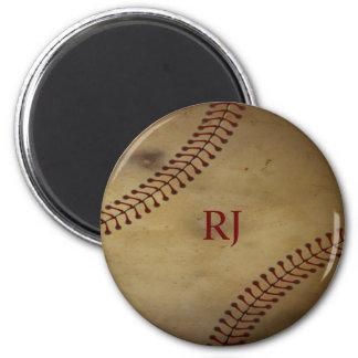 Vintage que mira béisbol con el monograma de encar imán redondo 5 cm