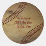 Vintage que mira béisbol con el monograma de etiquetas redondas