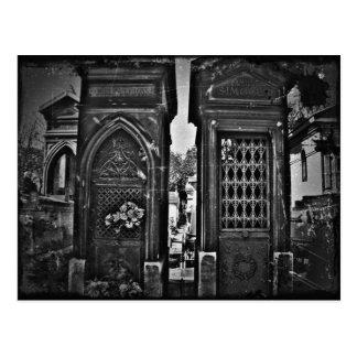 vintage que mira imagen del cementerio postales