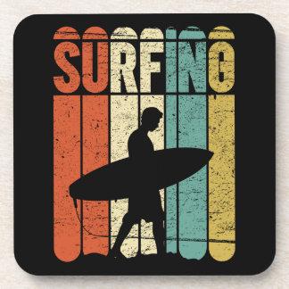 Vintage que practica surf posavaso