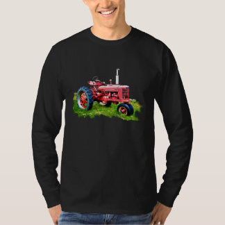 Vintage Red Tractor in the Field T-Shirt