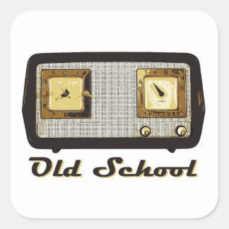 Vintage retro de la radio de la escuela vieja pegatina cuadrada