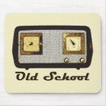 Vintage retro de la radio de la escuela vieja alfombrilla de ratón