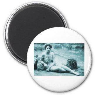 Vintage retro que baña belleza iman de nevera