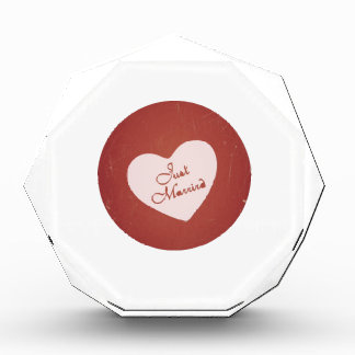 Vintage Retro Style Just Married On Antique Red Award