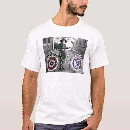 Vintage Retro Women 4th of July Girl Scout & Bike T-Shirt