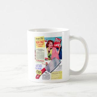 Vintage Retro Women Kitsch Duz Ad, Free Cleaver! Mug