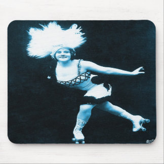 Vintage Retro Women Rollerskating Queen Mouse Pad