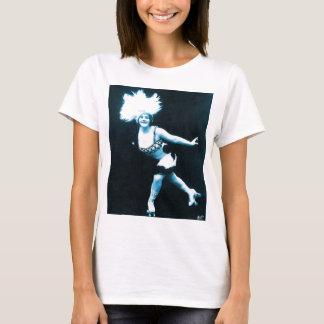 Vintage Retro Women Rollerskating Queen T-Shirt