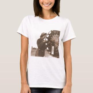Vintage Retro Women Working in America USA T-Shirt