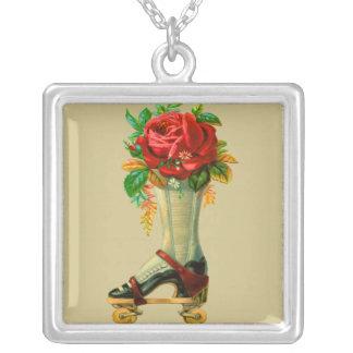 Vintage Rollerskate con el rosa rojo Joyeria Personalizada