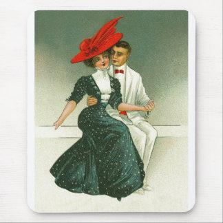 Vintage romantic couple mouse pad