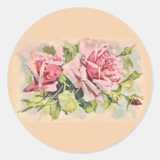 Vintage rosado de los rosas floral pegatina redonda