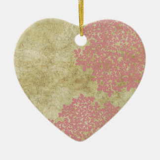 Vintage rosado floral adorno navideño de cerámica en forma de corazón