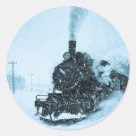 Vintage sitiado por la nieve del tren etiqueta redonda