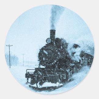 Vintage sitiado por la nieve del tren pegatina redonda