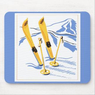 Vintage Ski Art Mouse Pad