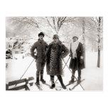 Vintage ski fashion, 1910 postcard