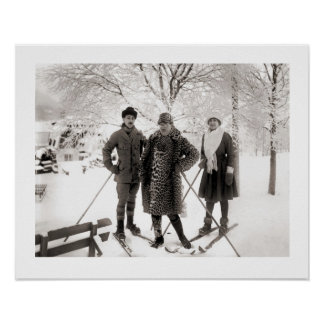 Vintage ski  image, Fashion on the piste Poster